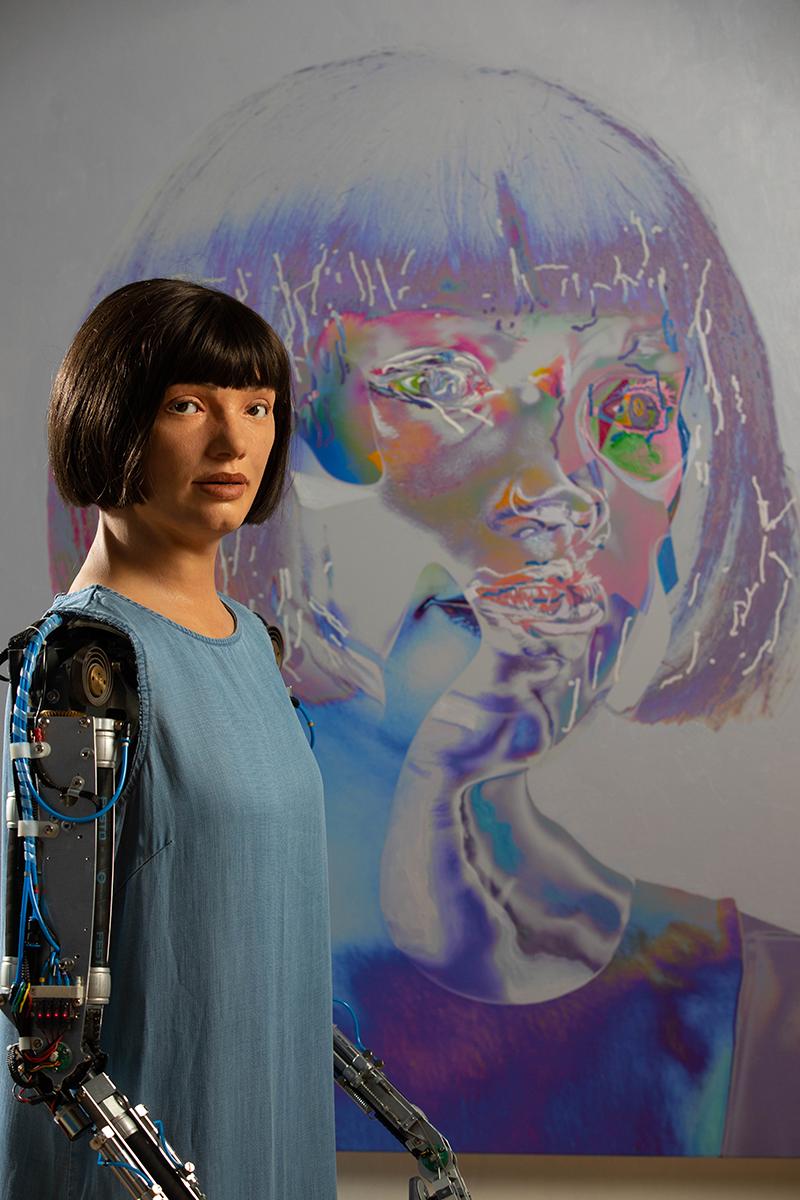 【博物之島新訊】世界首位機器人藝術家創作開展!倫敦設計博物館打開藝術本質的潘朵拉盒