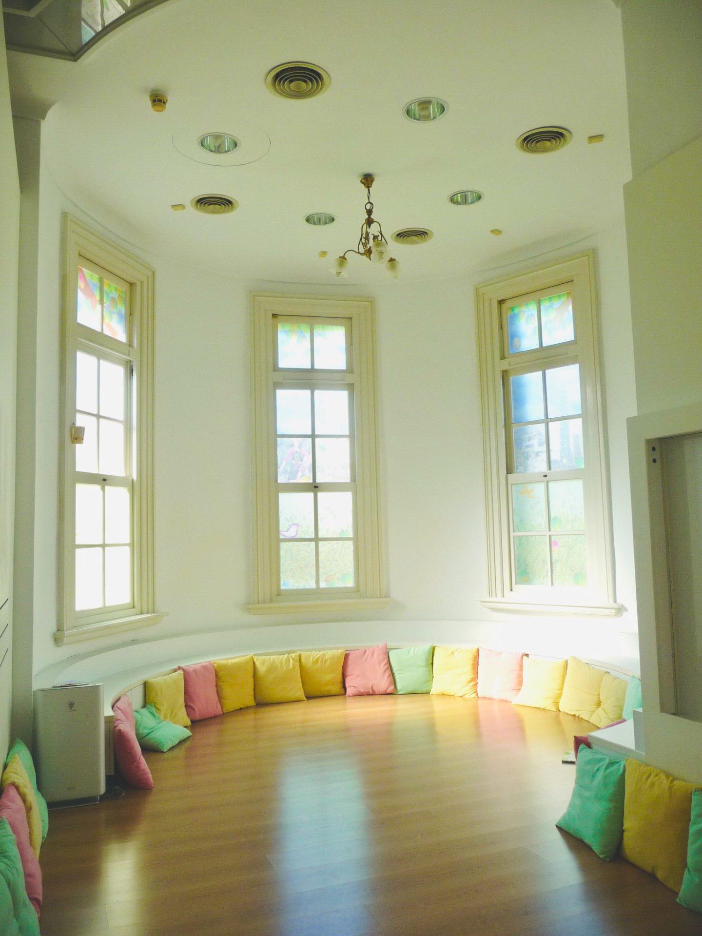國立臺灣文學館兒童文學書房,圓形凸出的空間吸引大小孩前去久待。攝影/ 施承毅,2014。