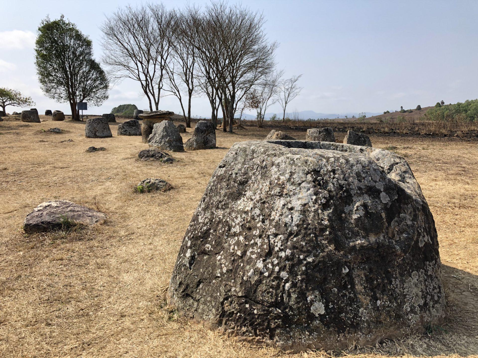 【博物之島新訊】遠古巨石之謎?新上榜的世界遺產—寮國川壙石罐平原遺址