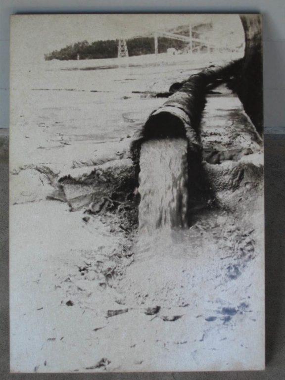 含汞廢水排入水俣灣(平井京之介提供)