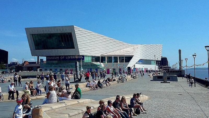 座落於梅西河畔、耗資一億歐元打造,新的利物浦博物館正在探索種種可能 (圖片來源:PeterGlyn@wikimedia,CC BY-SA 3.0)