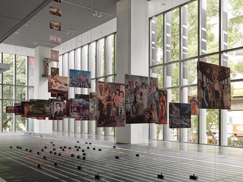 《序曲展》以立體年表呈現時間、空間與人物的軸線,改變傳統的觀看方式。