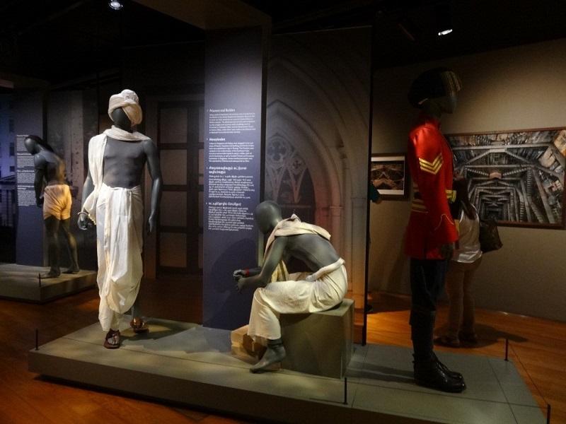 印族文化館以制服來表示在新加坡各個時期印度族群從事的職業。