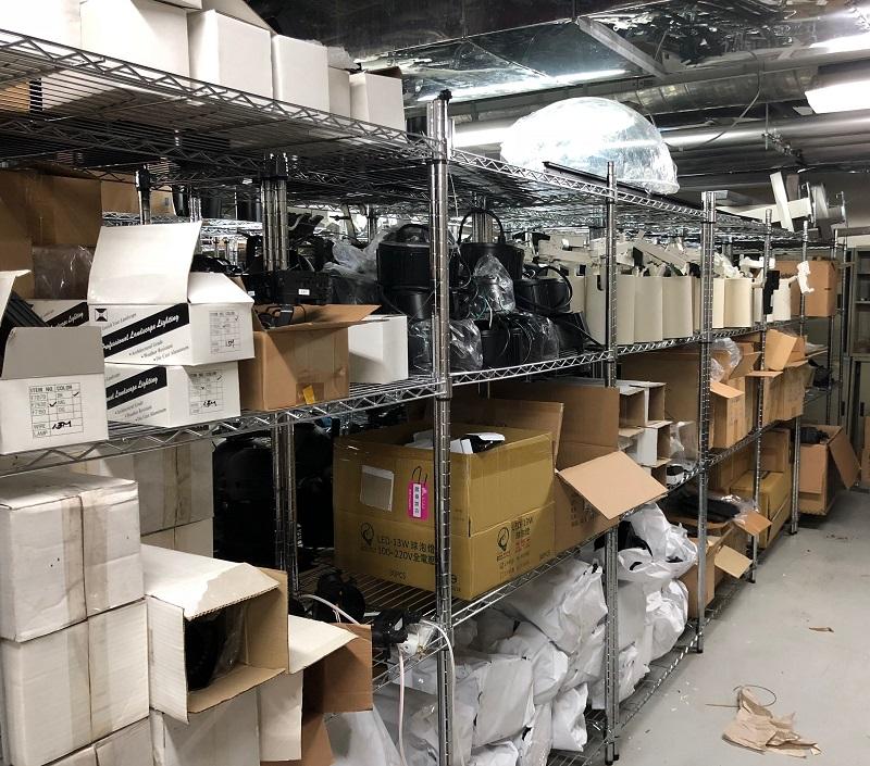 史前館展示準備區,保留展示使用之相關備品與材料。