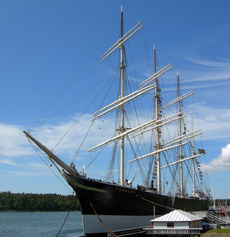 建造於1903,今泊於芬蘭瑪麗港 (Mariehamn, Åland) 的古帆船 Pommern, 為當地海事博物館的博物館船(圖片來源)