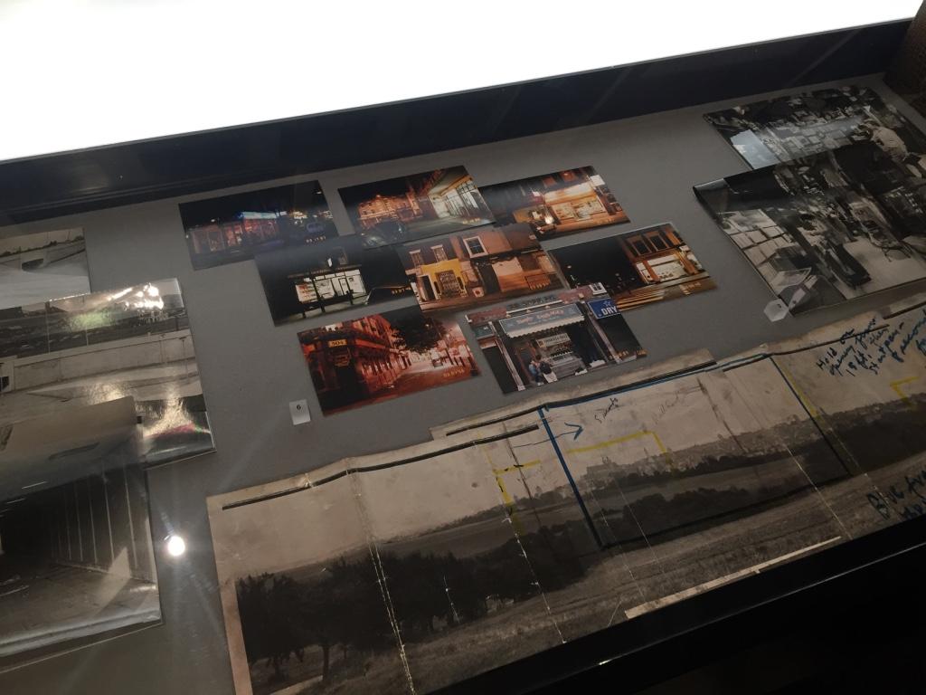 為了在英國本土拍攝電影,庫柏力克的團隊耗盡心力做詳細研究,圖中展示的照片與筆記為籌備《亂世兒女》與《大開眼戒》的文獻。攝影:戴映萱。